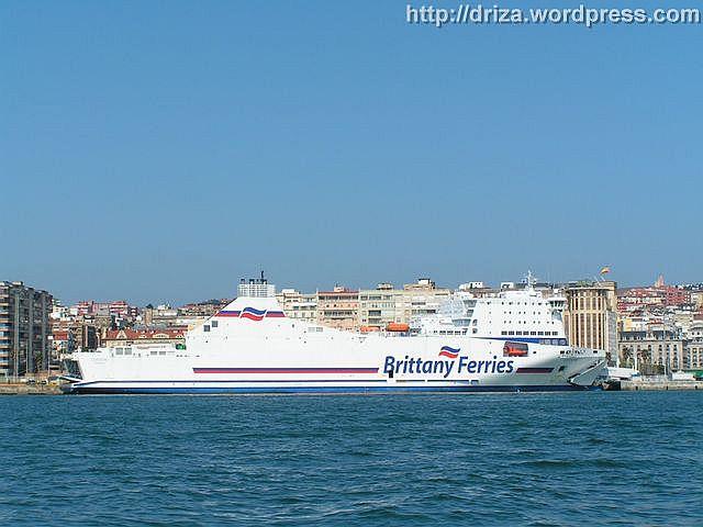 El Cotentin atracado en Santander