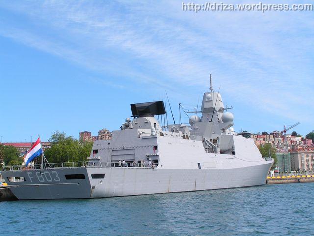 F803 HNLMS Tromp